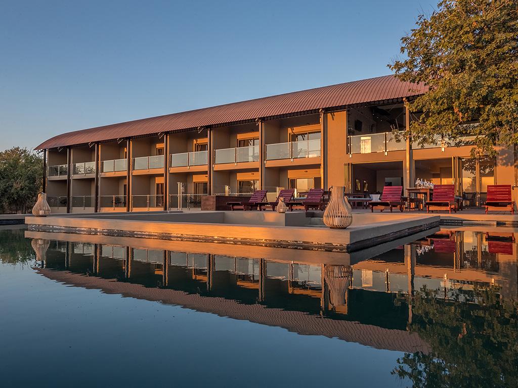 Pangolin Chobe Hotel 02