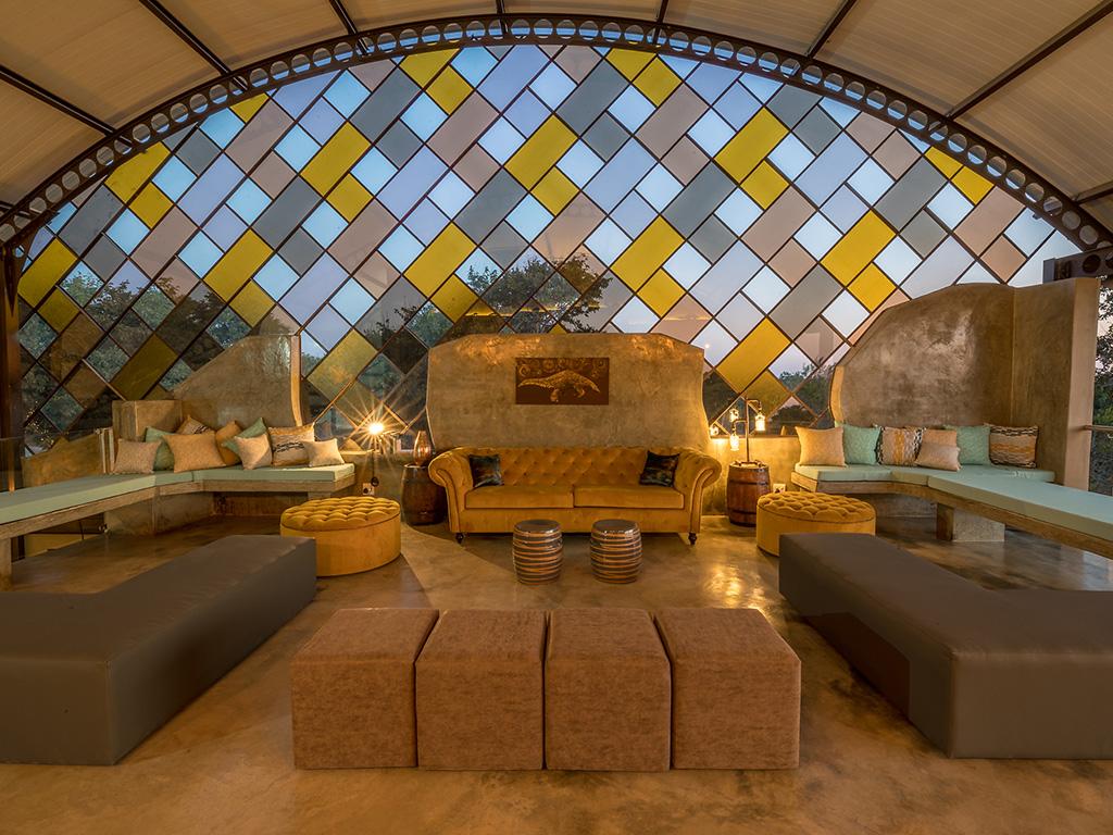 Pangolin Chobe Hotel 03
