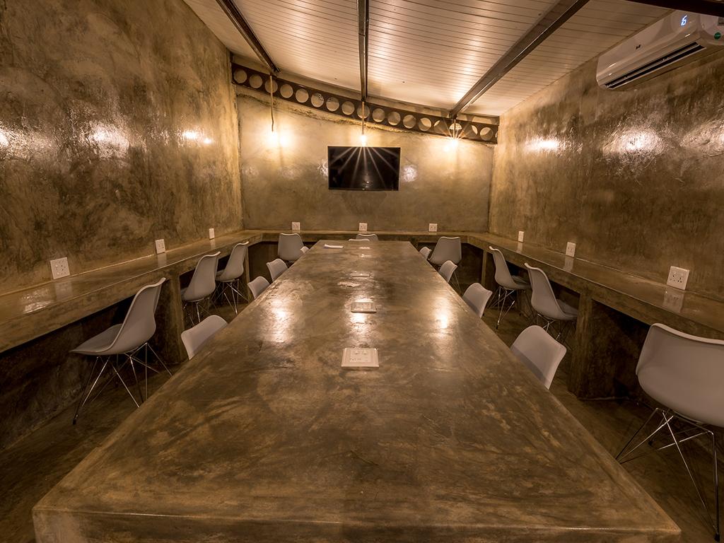 Pangolin Chobe Hotel 09