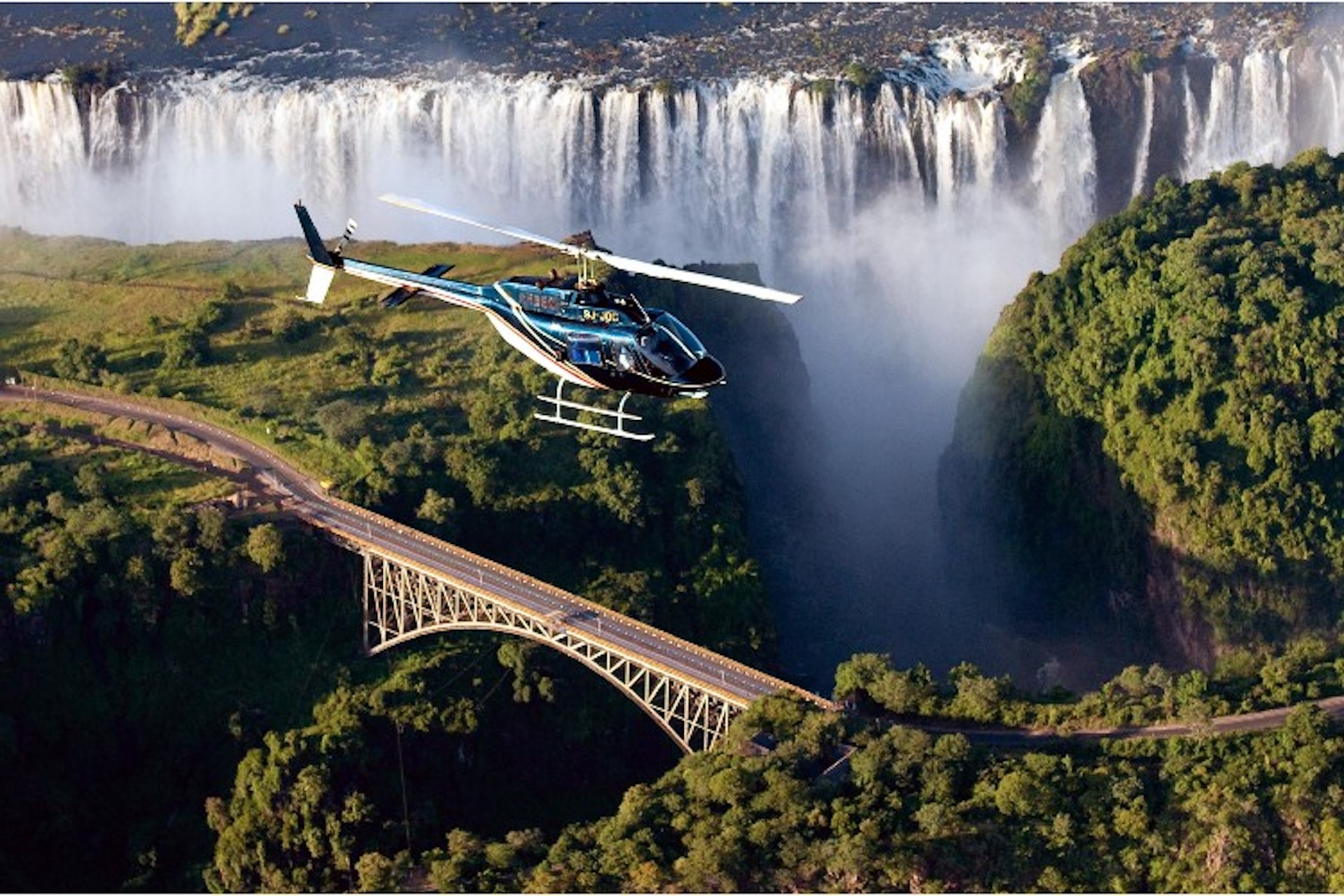 Victoria-Falls-helicopter-flights.jpg